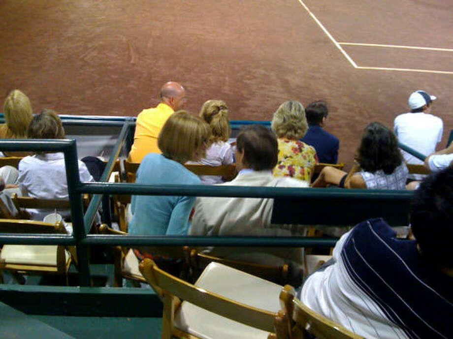 Vogue editor Anna Wintour and her steady Shelby Bryan were courtside at the River Oaks International tennis tournament. Photo: Shelby Hodge Photo
