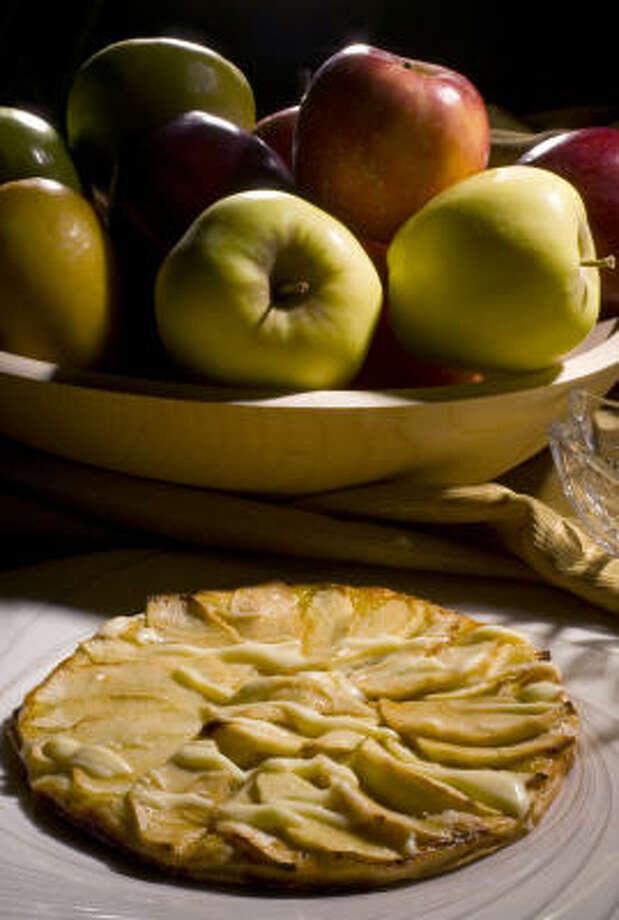 Apple Crepia with Calvados Sauce Photo: Karen Warren, Chronicle