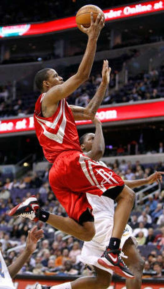 Rockets guard Trevor Ariza returned from a hip injury Tuesday night. Photo: HARRY E. WALKER, MCT