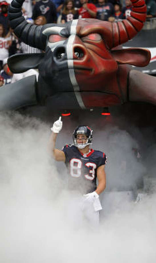 Unfortunately for the Texans and wide receiver Kevin Walter the past two outings, he has entered for pregame introductions with the same number of catches as he exited the field afterward. The twin shutouts are a first for him as a Texan. Photo: Karen Warren, Chronicle