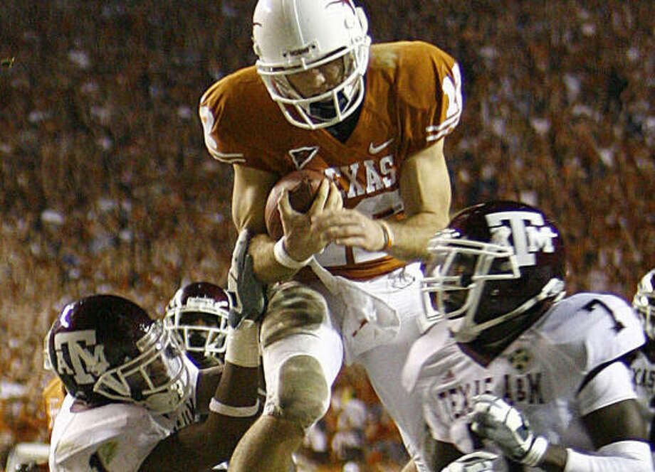 Colt McCoy helped push the Longhorns to a one-loss season and a top-five end-of-season ranking in 2008, and he's driven to take them to even higher ground this year. Photo: Nick De La Torre, CHRONICLE