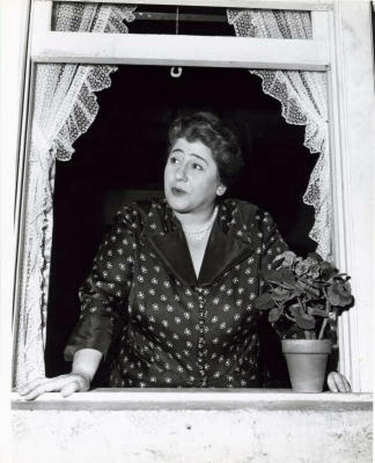 Gertrude Berg in her signature role as Molly Goldberg Photo: Gertrude Berg