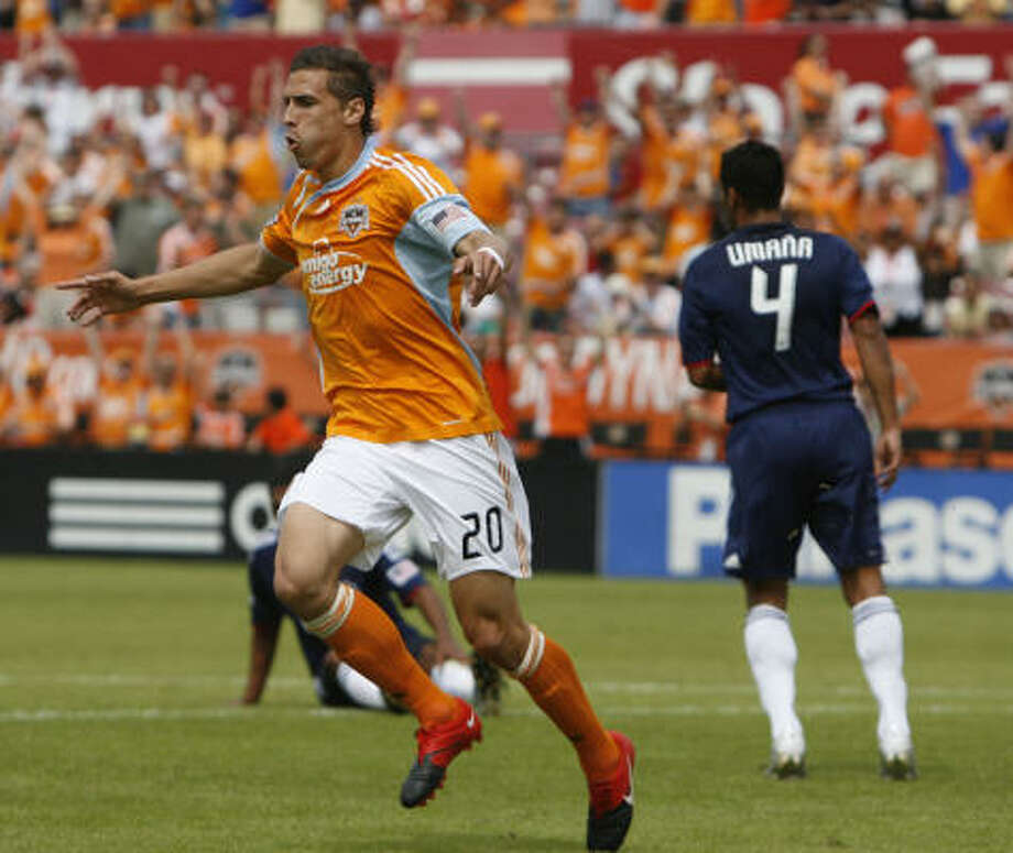 Dynamo midfielder Geoff Cameron celebrates a goal against Chivas USA at Robertson Stadium on April 17. Photo: Chronicle