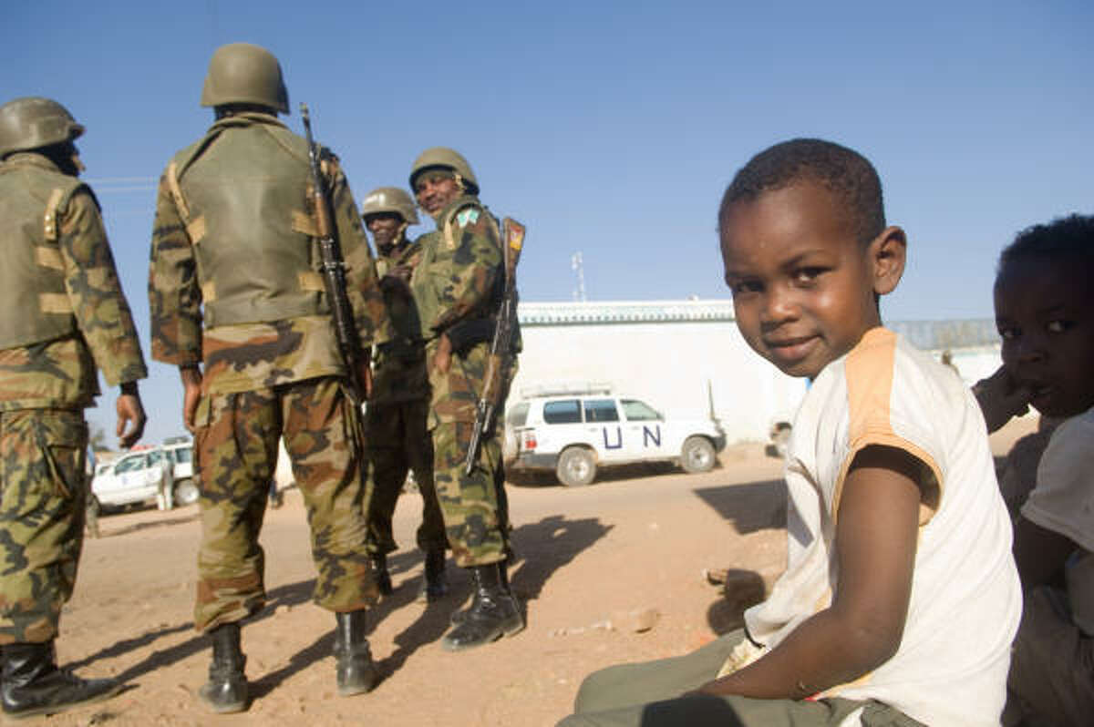 Darfur Now explores the tragedy in the Sudan through theDarfur Now explores the tragedy in the Sudan through the eyes of various people. eyes of various people.