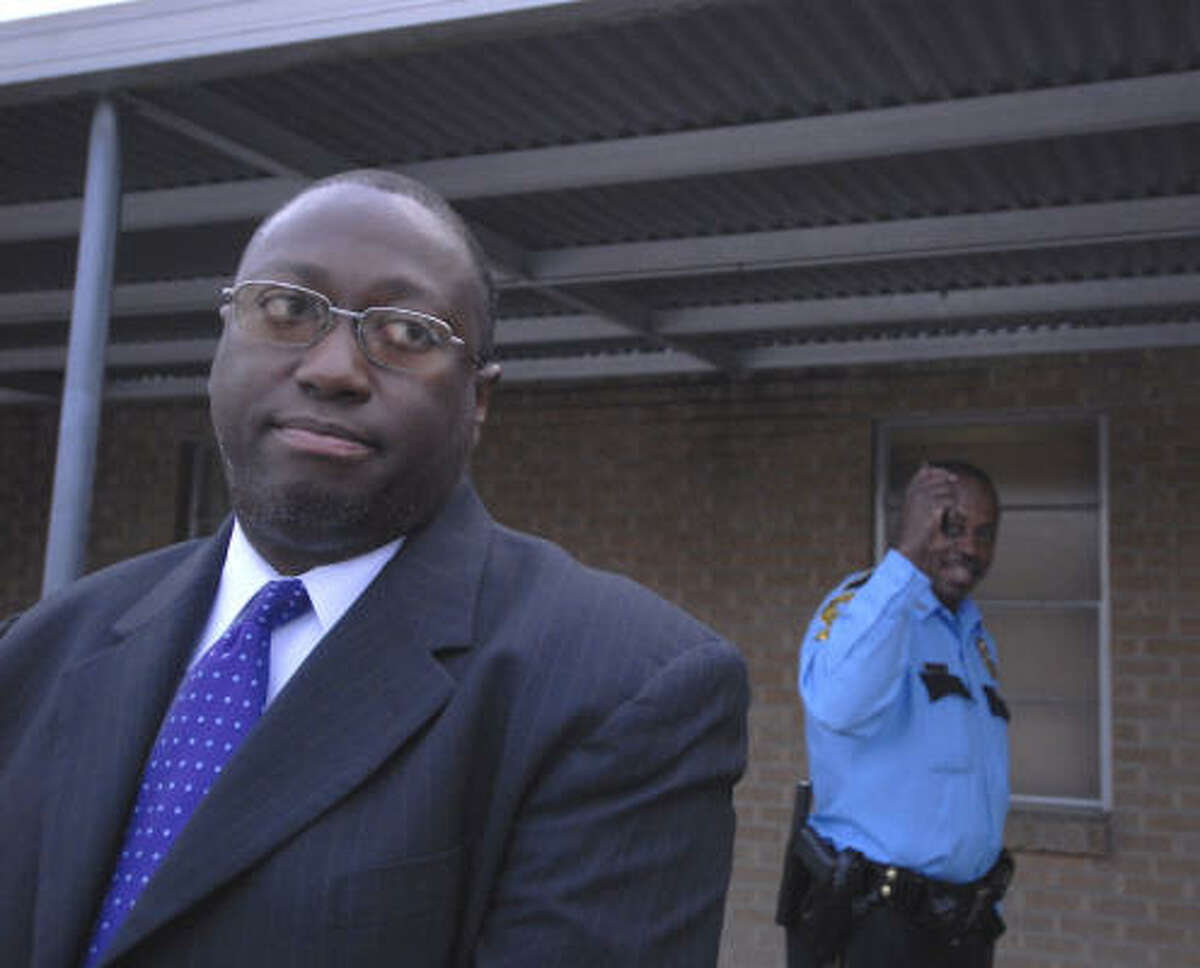 March 2007: The school board votes 4-3 to oust the superintendent, James Simpson, and the Texas Education Agency sends in a conservator to oversee the district's finances.