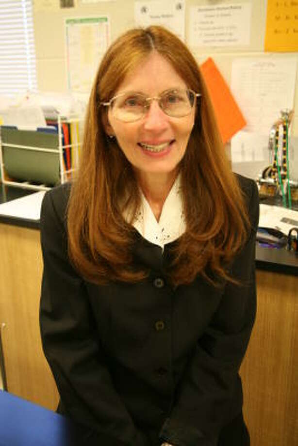 Foster High School physics teacher Janie Head is a Texas finalist for the 2007-2008 Presidential Award for Excellence in Mathematics and Science Teaching. Photo: Suzanne Rehak, For The Chronicle