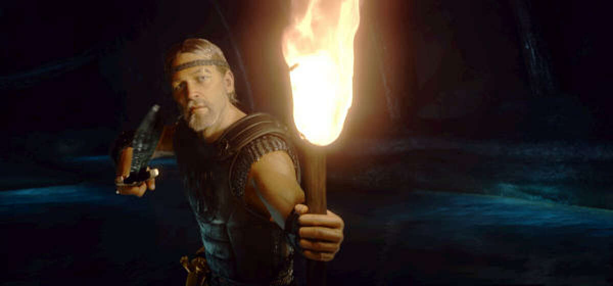 The Viking hero Beowulf (Ray Winstone) prepares to confront Grendel's mother in Beowulf.