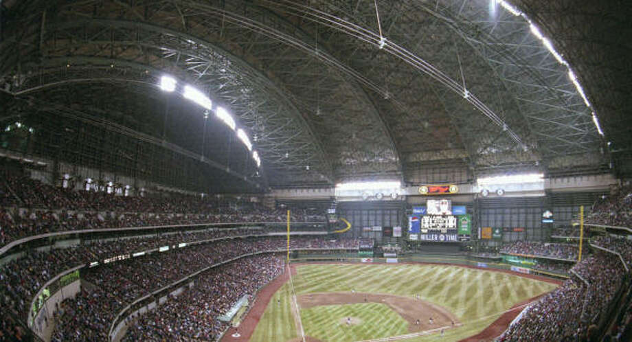Miller Park in Milwaukee, which features a retractable roof, is the option for the Astros and Cubs. Photo: MARK HERTZBERG, AP