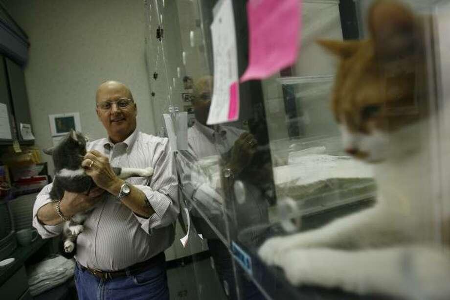 Bill Folger, a veterinarian, is on the advisory board of the Spay-Neuter Assistance Program. Photo: SHARÓN STEINMANN, CHRONICLE