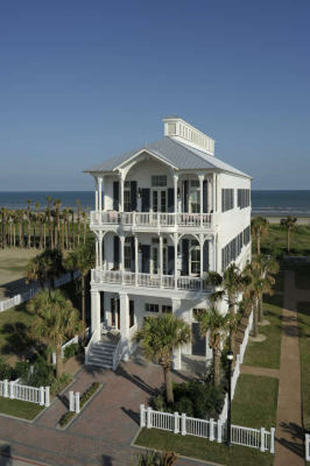 Coastal Living magazine's Idea House is at 2721 E. Seaside Drive in Galveston. Photo: ROBERT MIHOVIL