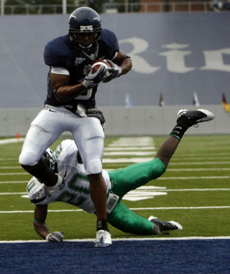 Rice senior receiver Toren Dixon has struggled with dropped balls during the Owls' frustrating season. Photo: Johnny Hanson, Houston Chronicle