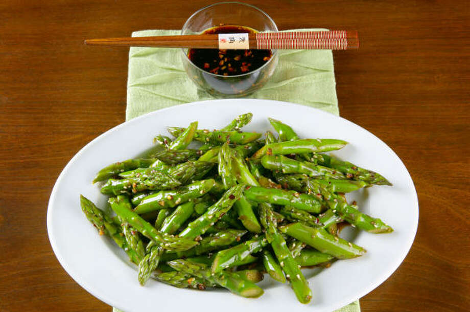 Sweet and Spicy Szechuan Asparagus Photo: CALIFORNIA ASPARAGUS COMMISSION