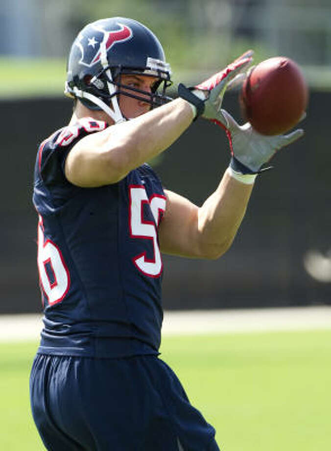 After the first OTA, Brian Cushing said he had nothing bothering him and had no worries about his health. Photo: Brett Coomer, Chronicle
