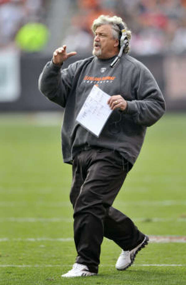 Browns defensive coordinator Rob Ryan replaces Paul Pasqualoni, who became head coach at Connecticut. Photo: David Richard, AP