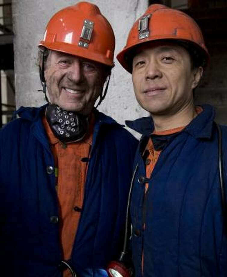 Ted Koppel talks with a coal miner in Datong, Chongqing in Sichuan province, where the documentary was filmed. Photo: DANIELE DAINELLI, DISCOVERY CHANNEL