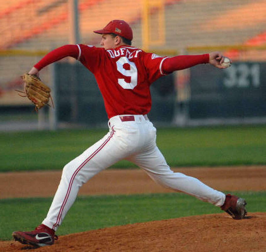 Bellaire sphomore pitcher Tyler Duffey has been stellar for the Cardinals this season, going 6-1 with a 2.69 ERA. Photo: Ernie Chan, For The Chronicle