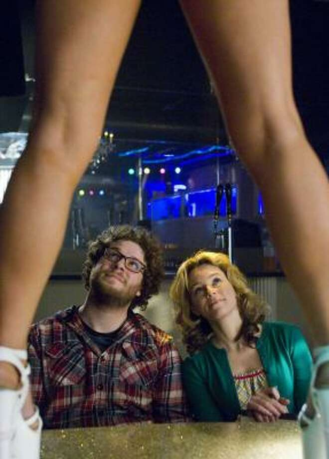 Seth Rogen and Elizabeth Banks play two broke roommates who attempt to make a skin flick to pay their bills in Zack and Miri Make a Porno. Photo: DARREN MICHAELS, ASSOCIATED PRESS | THE WEINSTEIN CO.