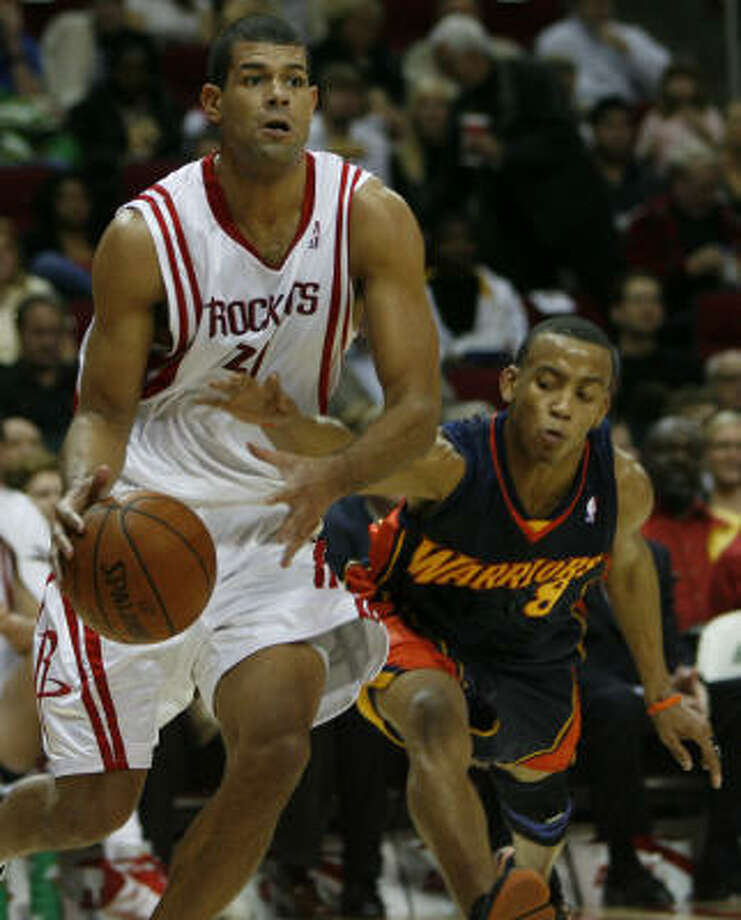 Shane Battier looks for room to shoot in the first quarter. Photo: James Nielsen, Chronicle