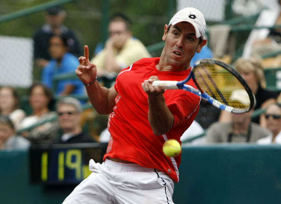 Wayne Odesnik lost to Leyton Hewitt in the finals last year at the U.S. Men's Clay Court Championship at River Oaks Country Club. Photo: Johnny Hanson, Chronicle
