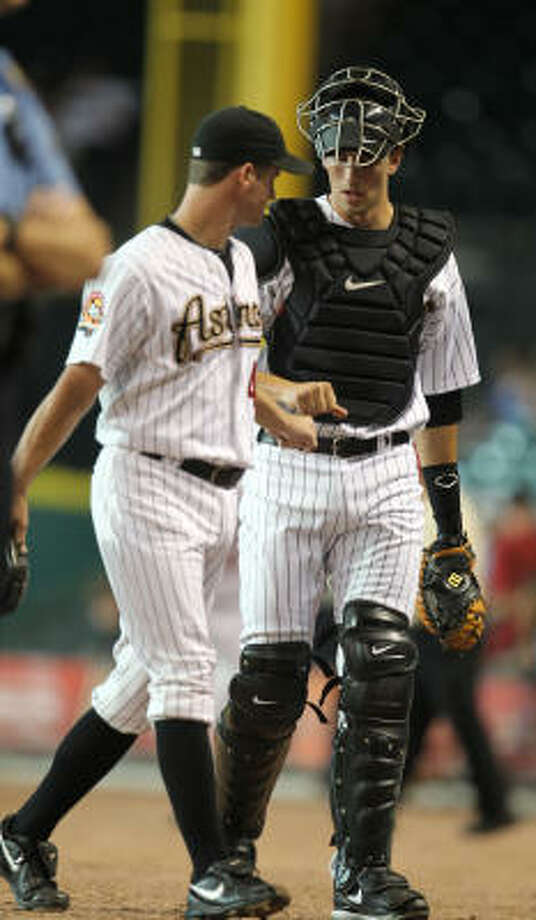Astros catcher Jason Castro, right, was 1-for-4 in his major league debut. Photo: Karen Warren, Chronicle