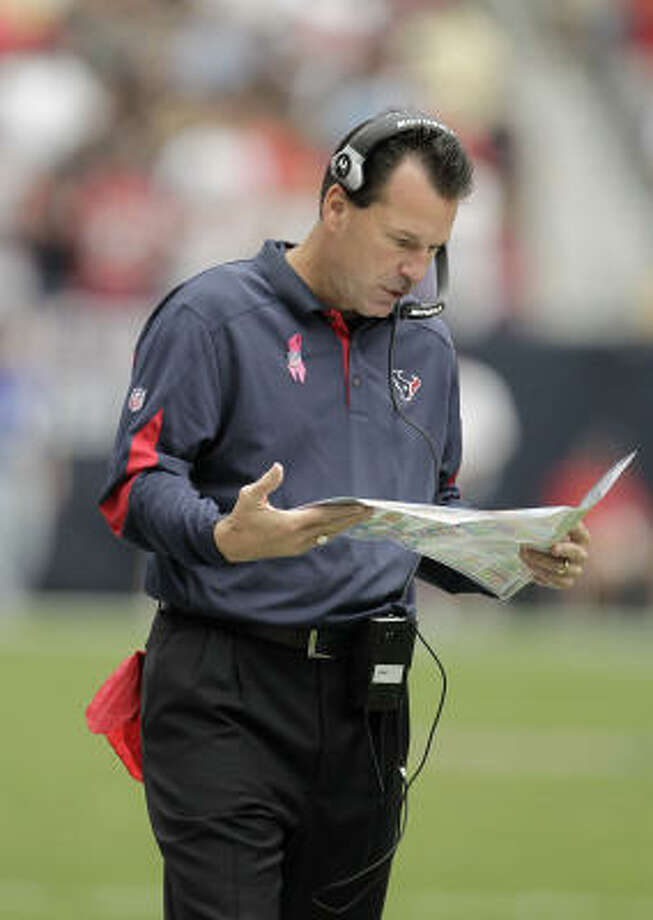 No matter what's going on around him, Texans coach Gary Kubiak never changes, columnist John McClain writes. Photo: Karen Warren, Chronicle