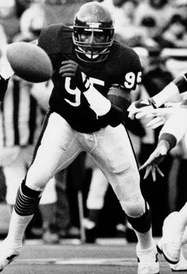 Hall of Fame pass rusher Richard Dent had eight seasons with double-digit sacks. Photo: AP