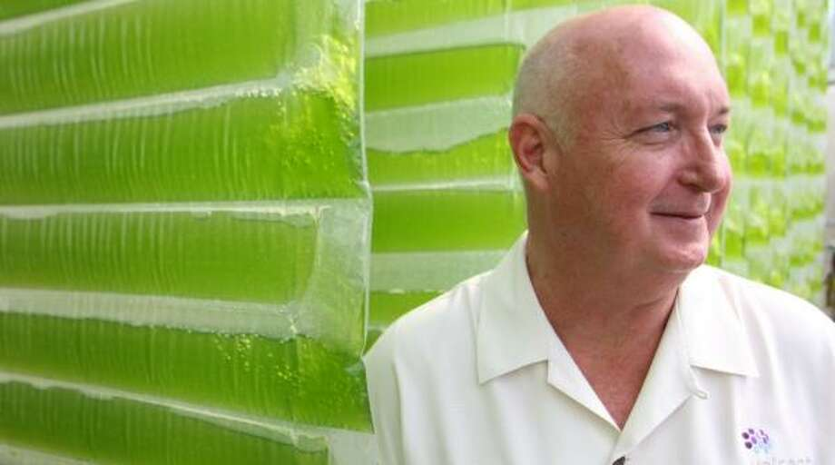 Glen Kertz, CEO of Valcent Products, says algae can be cultivated anywhere, including arid West Texas. But mass production as a biofuels feedstock will take time and money, experts say. Photo: CHRIS CHAVEZ, FOR THE CHRONICLE