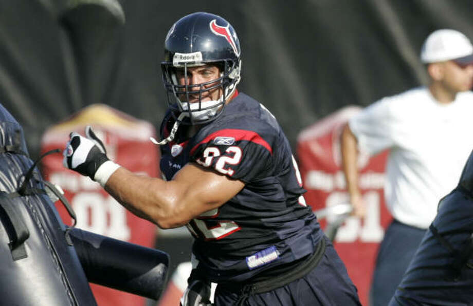 Veteran defensive tackle Jeff Zgonina has been re-signed as insurance. Photo: Brett Coomer, Chronicle