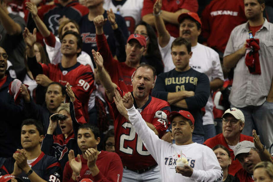 Texans fans will pay an average of almost 7 percent more for tickets in the 2010 season. Photo: Brett Coomer, Houston Chronicle