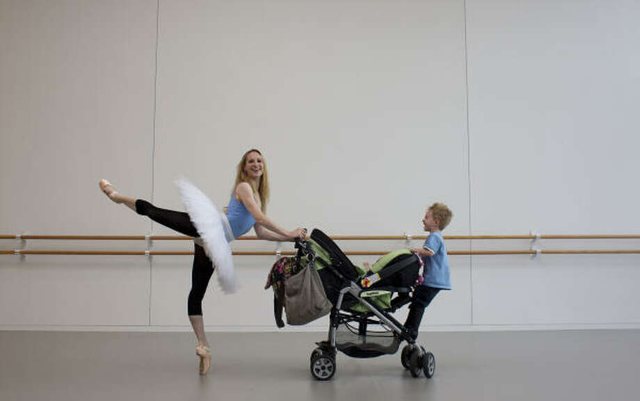 Sara Webb returns to the Wortham Theater stage in Houston Ballet's The Sleeping Beauty this week, four months after the birth of her second child. Photo: Johnny Hanson :, Chronicle