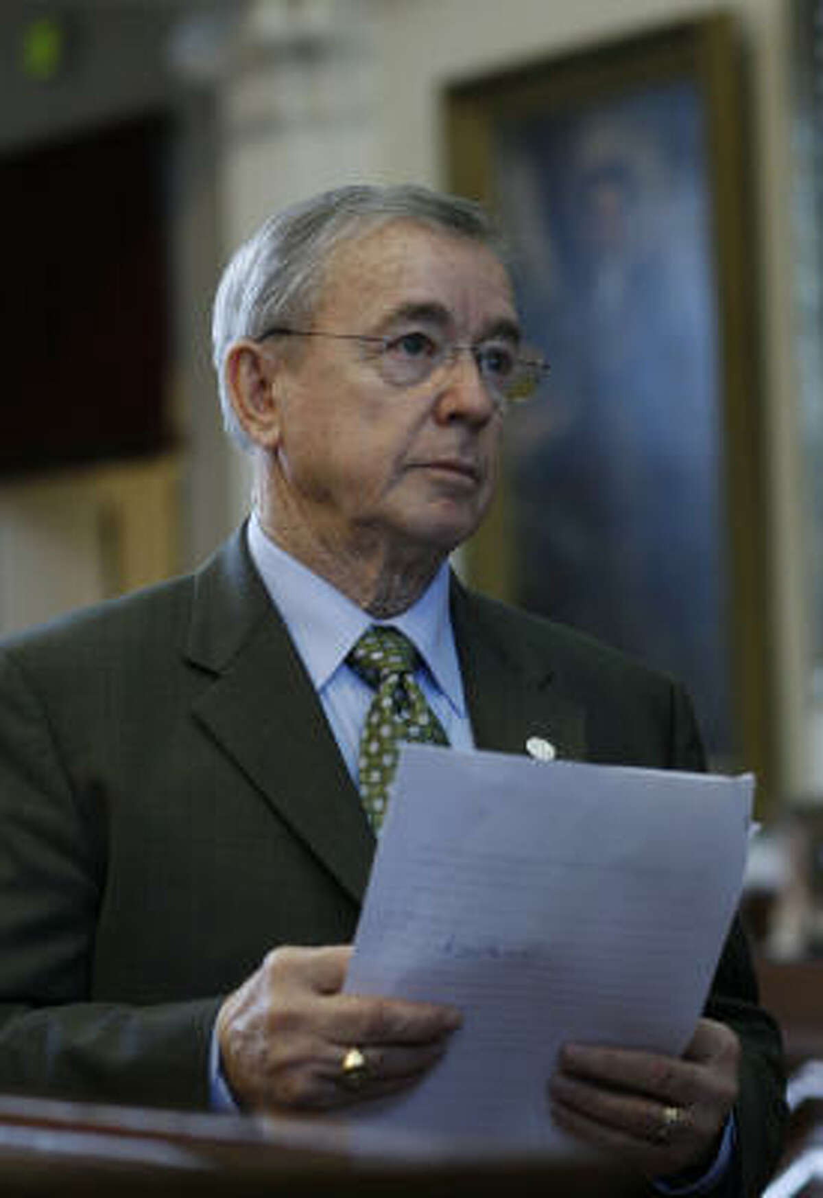 House lawmakers took a stand against GOP budget writers on House Speaker Tom Craddick's leadership team, including Rep. Warren Chisum, R-Pampa, chairman of the Appropriations Committee, as they voted to give an across-the-board $800 pay raise for educators.