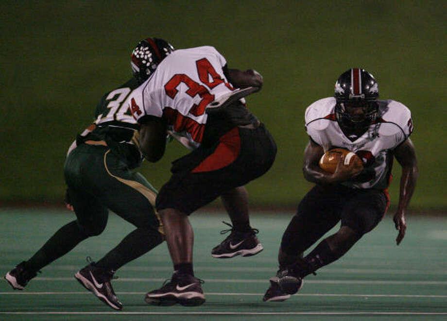 Westfield running back Bo Walker scored two of the game's 14 touchdowns. Photo: Karen Warren, Chronicle