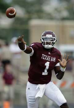 Jerrod Johnson, a three-year starter at quarterback for Texas A&M, has signed a free-agent deal with the Eagles to compete for a backup slot to Michael Vick. Photo: David J. Phillip/Associated Press