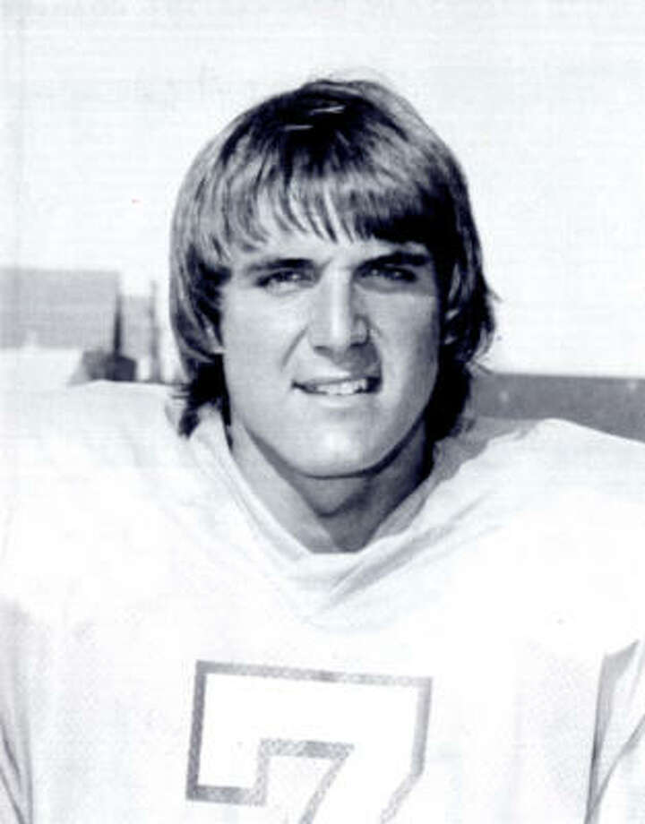 Dan Pastorini played quarterback for the Oilers from 1971-83. Photo: Chronicle File
