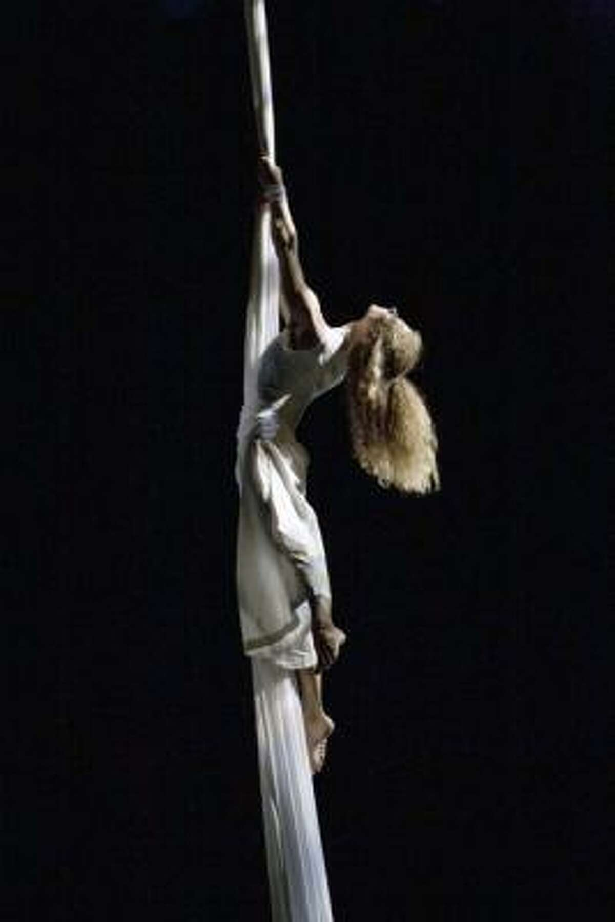 A dancer in Amy Ell's company, VAULT, in action in the 2009 dance Thread.