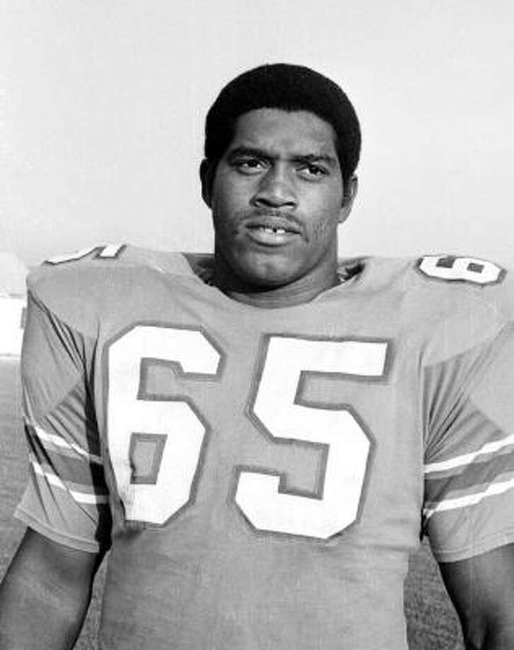 Elvin Bethea played defensive line for the Oilers from 1968-83. Photo: TED POWERS, AP