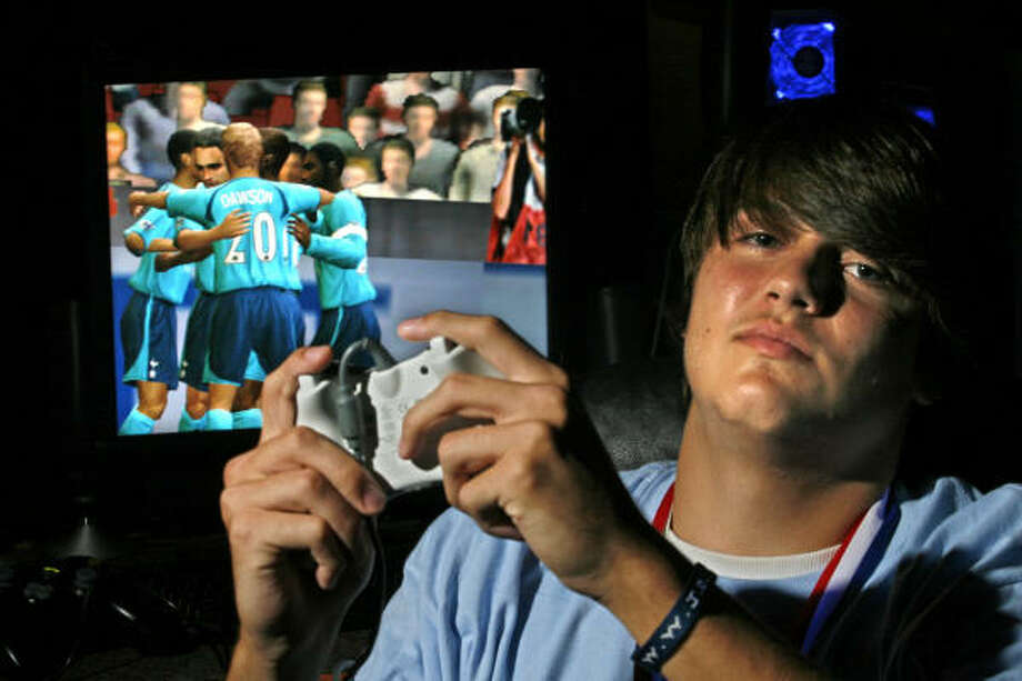 Video gamer Michael LaBelle of Hightower High School Photo: Johnny Hanson, For The Chronicle