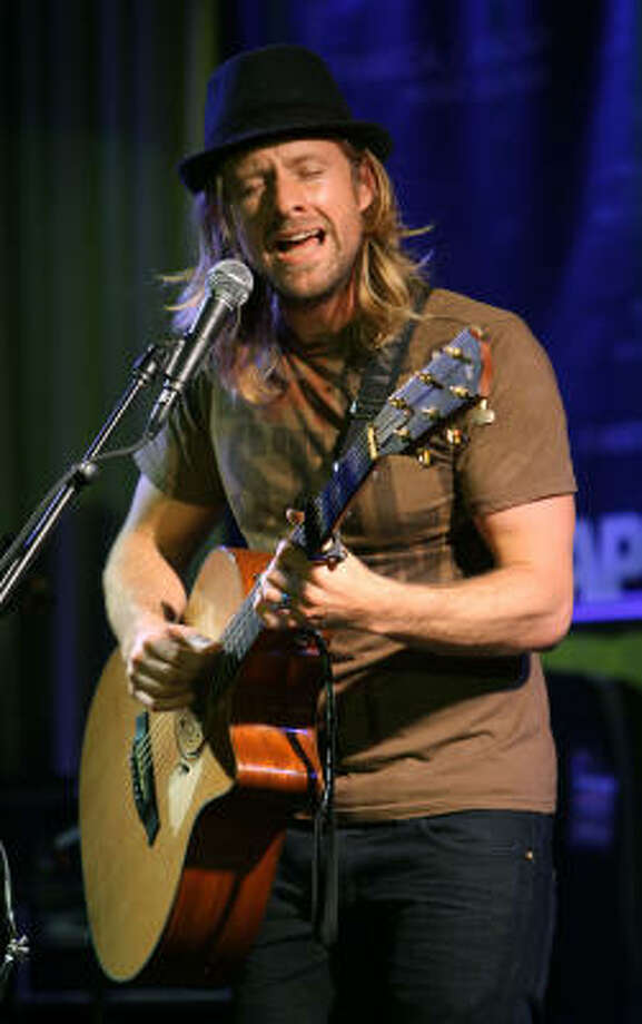 Jon Foreman performs at the 2008 Tribeca Film Festival in New York City. Photo: SCOTT GRIES, GETTY IMAGES