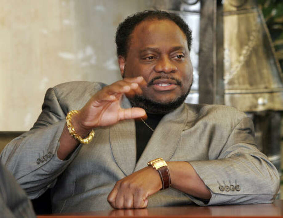 Eddie Long built a small Atlanta-area church into a politically powerful network of charity and business concerns. Photo: Gene Blythe, Associated Press File