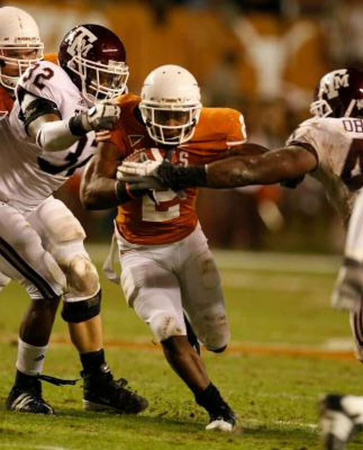 Texas running back Vondrell McGee started seven games combined as a sophomore and junior. Photo: Nick De La Torre, CHRONICLE