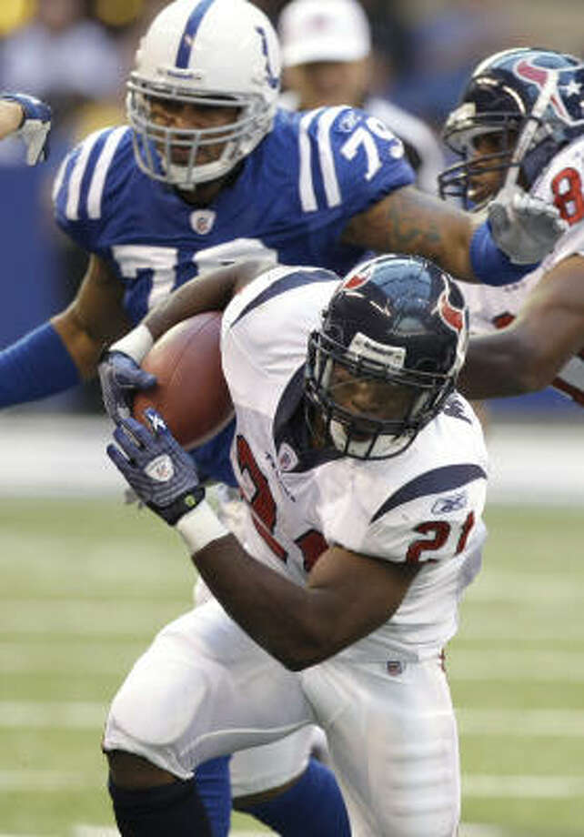 Running back Ryan Moats spent the last two seasons with the Texans. Photo: Brett Coomer, Chronicle