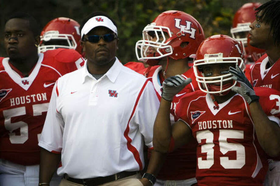 Kevin Sumlin led the Cougars to the Armed Forces Bowl in both of his season as UH's head coach. Photo: Smiley N. Pool, Houston Chronicle
