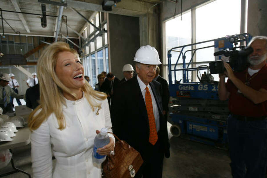 Madeleine Pickens tours a building Wednesday in Houston that will be named for her then-husband, T. Boone Pickens. Photo: Nick De La Torre, Chronicle