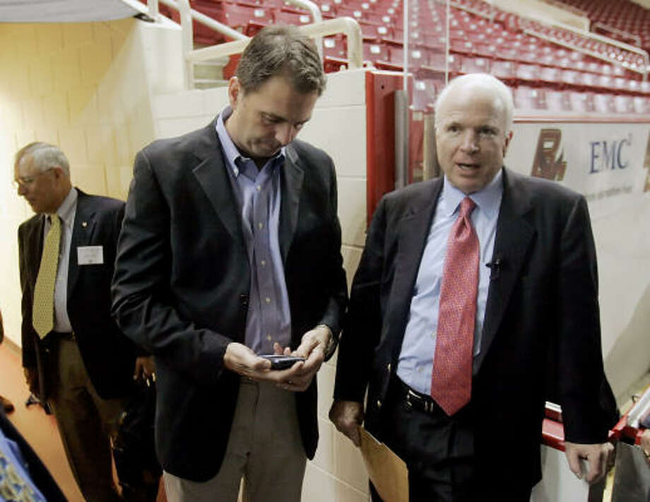 John Weaver, shown with Sen. John McCain last year, led the Republican's first primary bid for the White House in 2000. Photo: STEPHAN SAVOIA, ASSOCIATED PRESS