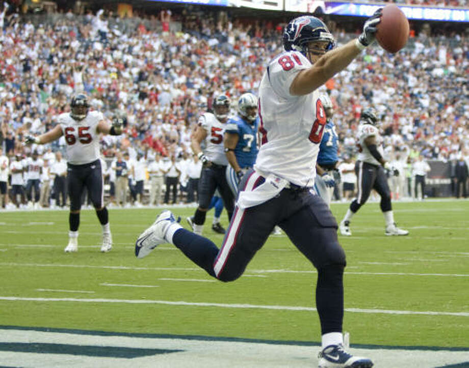 Texans tight end Owen Daniels celebrates one of his two touchdown receptions on the season. Photo: Brett Coomer, Houston Chronicle