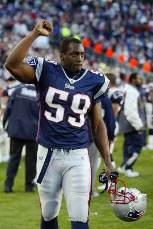 Rosevelt Colvin was drafted by the Bears but played for the Patriots in 2007. Photo: Elsa, Getty Images