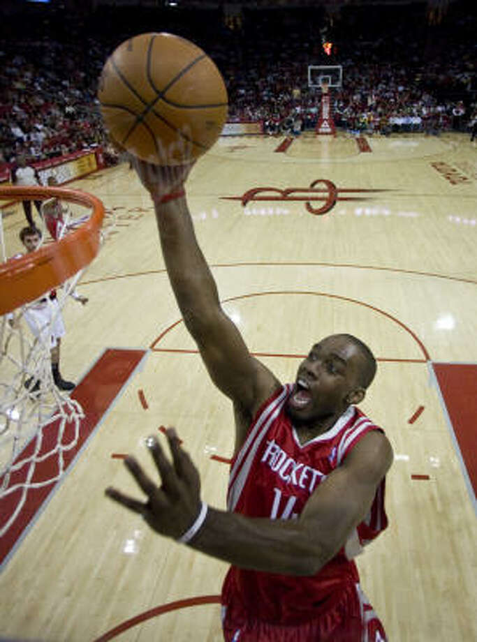 The Rockets have benefited from Carl Landry's ability to score and draw fouls in the fourth quarter. Photo: James Nielsen, Chronicle