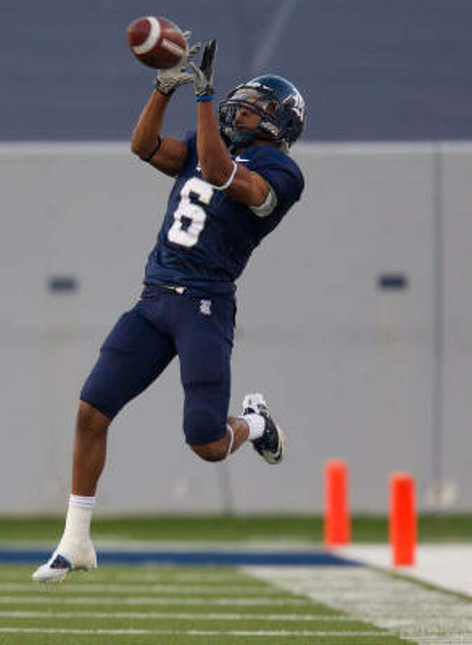 Rice wide receiver Patrick Randolph faces his father's team, Tulsa, for the final time. Photo: Smiley N. Pool, Chronicle