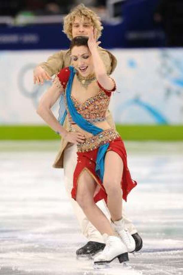 Americans Meryl Davis and Charlie White moved into second place. Photo: YURI KADOBNOV, AFP/Getty Images