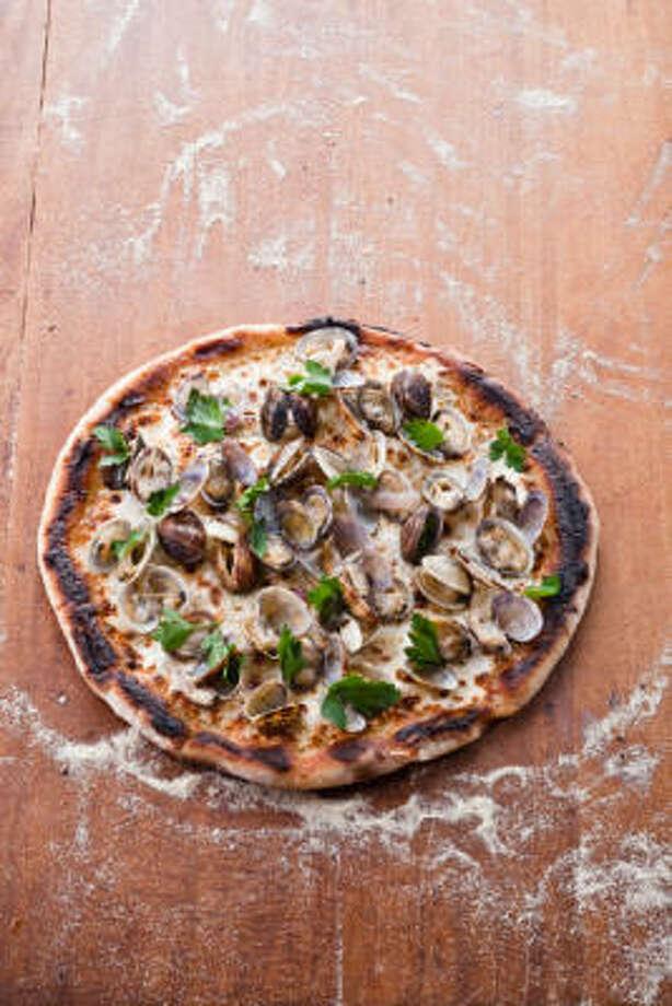 Pizza Vongole Photo: HarperCollins